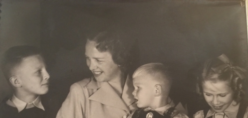 1951 Len + Kids-N