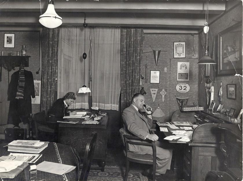 Op kantoor 1